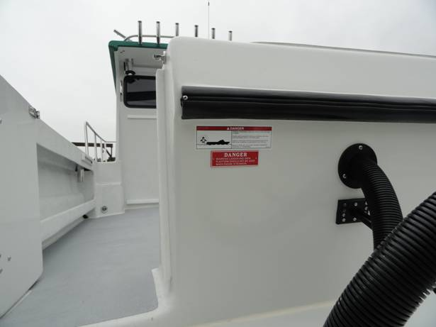 Transom dive door