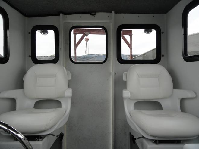 Twin helm seats